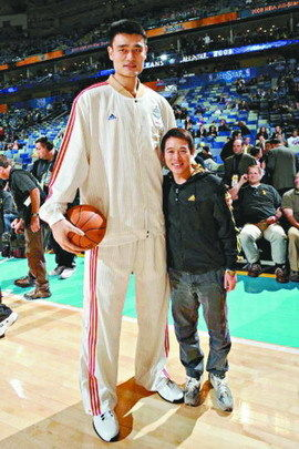 Pic of the Week - Yao Ming meets Jet Li | the Beijinger