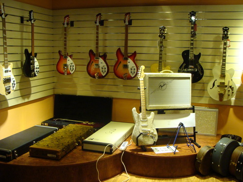 cuckoo for gugu music world class guitars drums instruments and service in beijing the. Black Bedroom Furniture Sets. Home Design Ideas