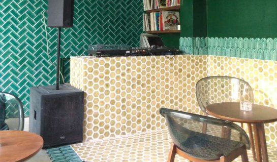 Ramo Team Ups the Ante: Installs Soundproofing and Underfloor Heating in New Hutong Hideaway Mimi e Coco
