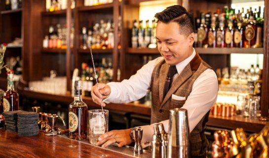 """R Award Winning """"Honey Man"""" Hong Kong Bartender John Ng to Guest at The Black Moth, March 30"""