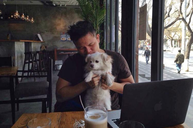 """A Few Words with: Kin Hong, owner, chef and famed """"Dude"""" at The Taco Bar"""