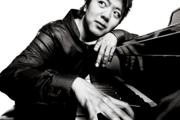 Lang Lang Takes Christmas Eve – And Talks Alicia Keys, Remixing Liszt and Snubbing the White House