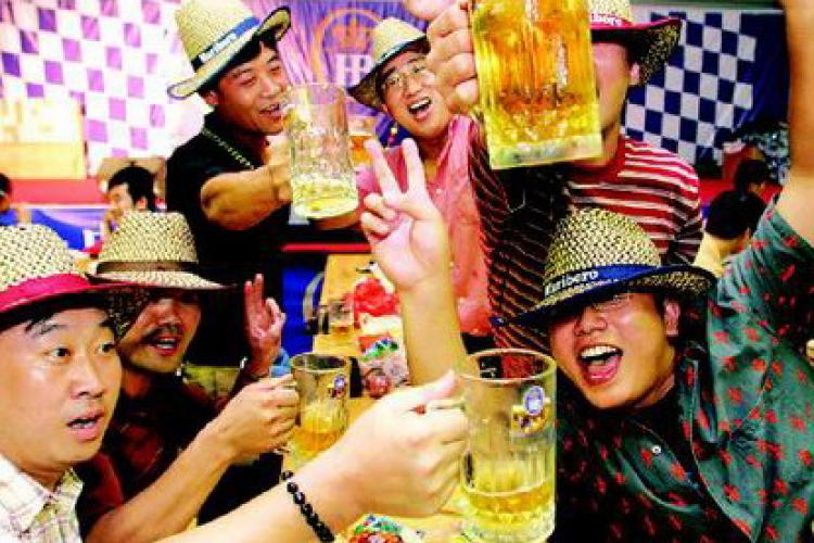 Qingdao Beer Festival: Meet Haha Beer and ganbei with the Fuwas