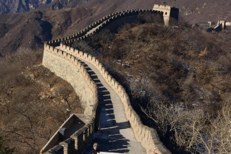 Eight-year-old U.S. Cancer Patient's Wish for Great Wall Stardom Fulfilled