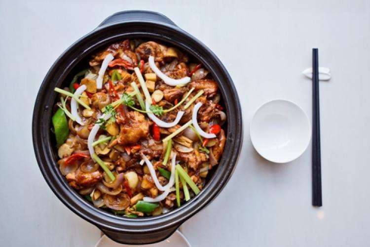 Hamming Up the Health: Pengran Siji Coconut Chicken Hot Pot