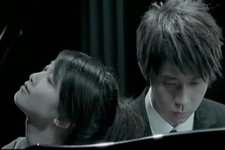 """R Karaoke Saturday: Find Your Happy Ending with Michael Wong's """"Fairy Tale"""""""