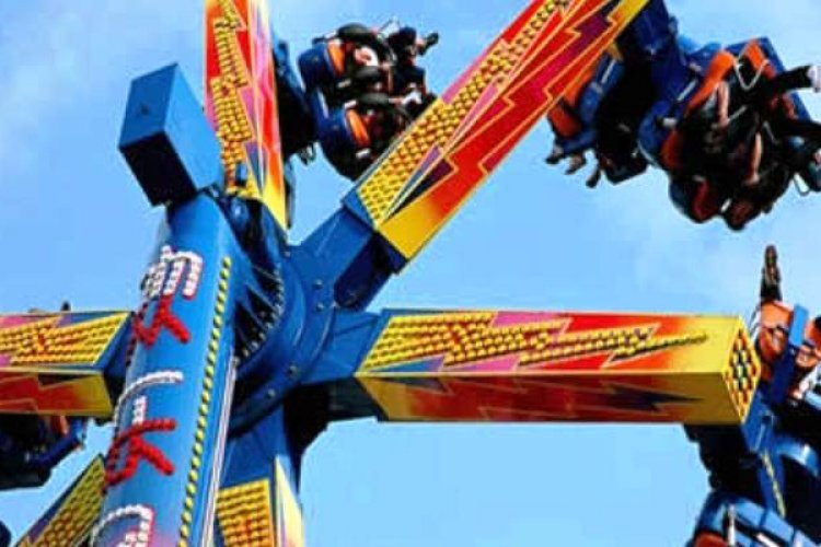Malfunctioning Ride Strands Happy Valley Park Visitors in Mid-Air