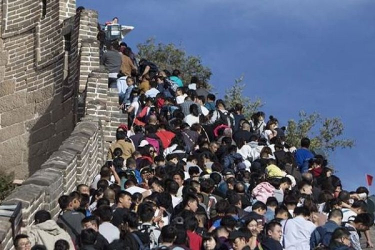 Record-Breaking Crowds Visit Beijing Over National Day Holidays