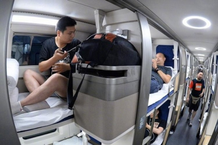 R Trains to Shanghai Now Feature Personal Soft Sleeper Compartments