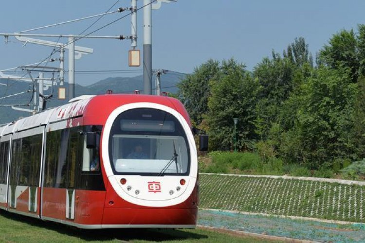 R Keepin' it Rail: Streetcars Return to Beijing After A Half-Century Absence