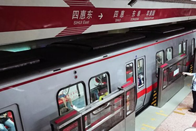 Beijing Metro Line 1 and 2 Platform Safety Barriers To Finally Begin Testing