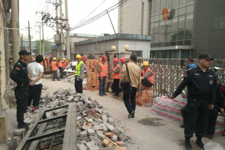 Fangjia to be Bricked Up Later this Week, Jiaodaokou Toutiao Currently Being Bricked Up, Xingfucun Knocked Down
