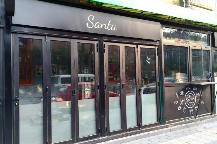 Santa Brings Tasty Tacos, Salads, and Bowls to the North Sanlitun Area