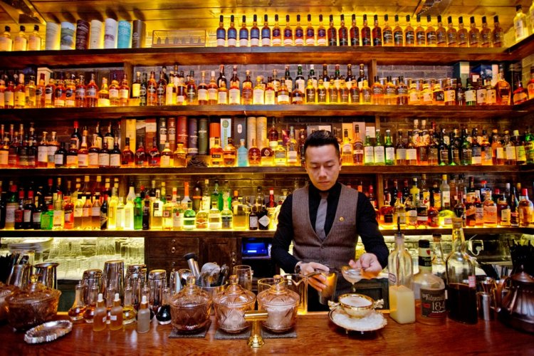 R1 A Closer Look at the Bar & Club Awards: Best Whisky Bars in Beijing