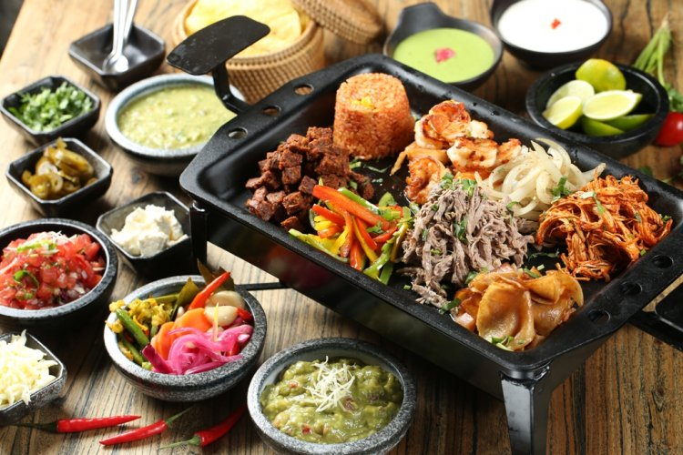 DP Q Mex Opens Q Mex Taqueria in Xinyuanli, Focus on Tacos and Tequila