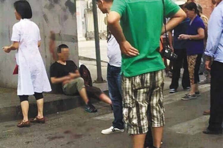 One Dead, Two Injured in Haidian After Man Stepped on Someone Else's Foot