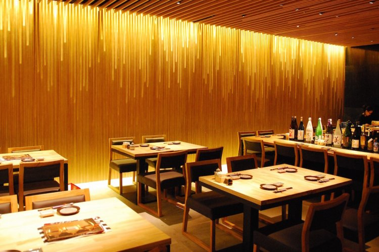 New Liangma Qiao Sake Manzo Boasts Great Food and Over 100 Different Types of Sake