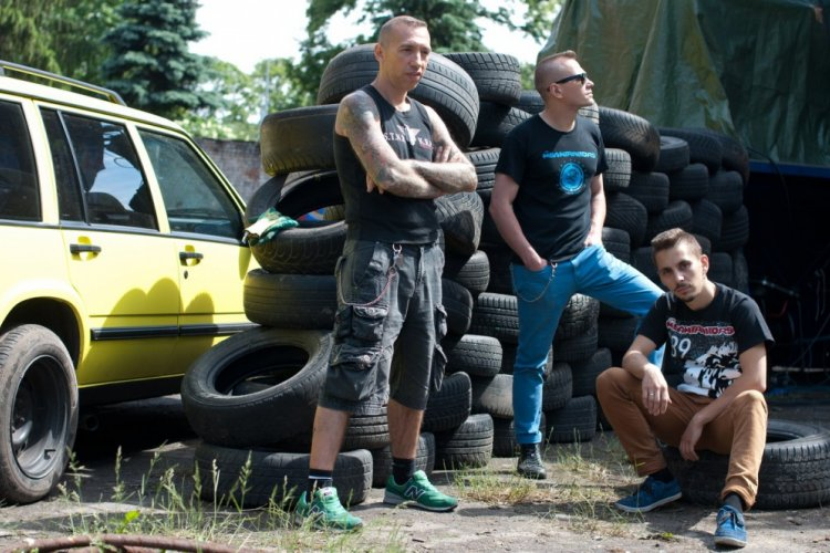 Q&A with The Meantraitors, Russian Psychobilly Punk Band Playing School Bar, May 6