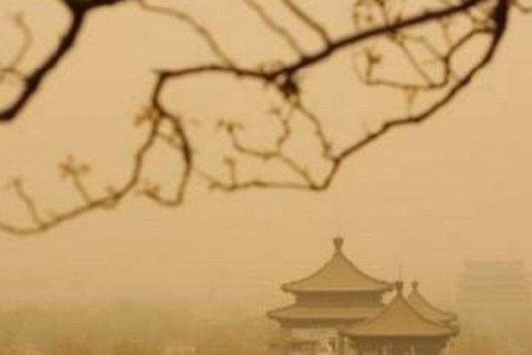 Debilitating Sandstorm Inspires Poetic Reactions From Beijing Residents