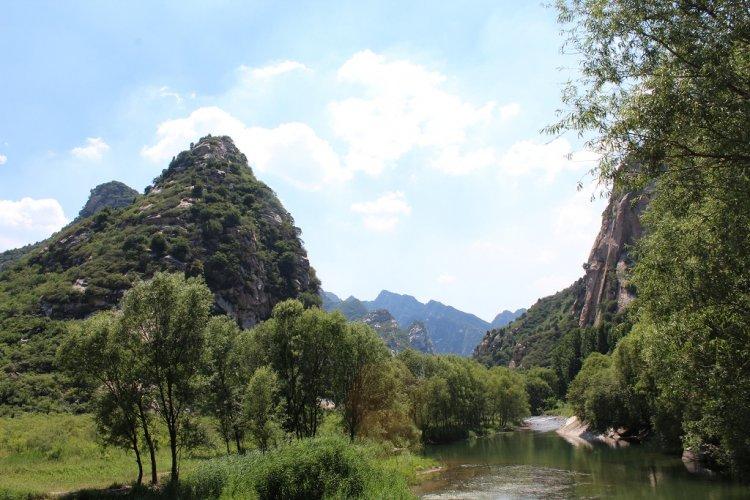 Beijing Hiking: Run to the Hills