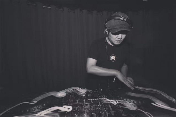 Beijing Beats: Spin Back, Soul Party, Peng, Do Hits!