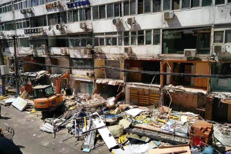 "Hangover Cured: Sanlitun ""Dirty"" Bar Street Has Been Demolished"