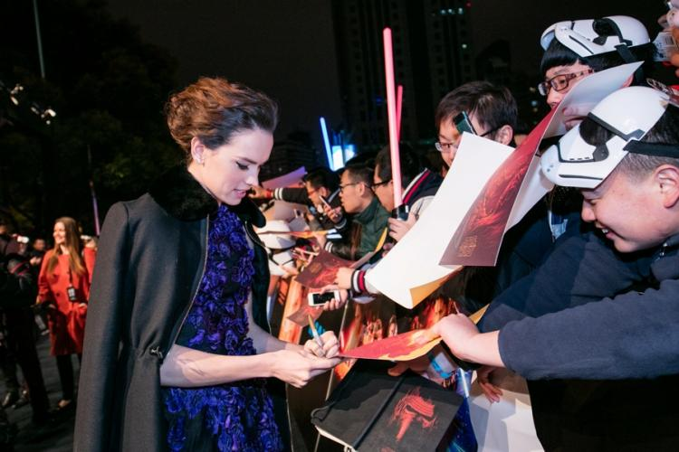 Beijing Shunned but Chinese 'Star Wars' Fans Come Out In Force at Shanghai Premiere