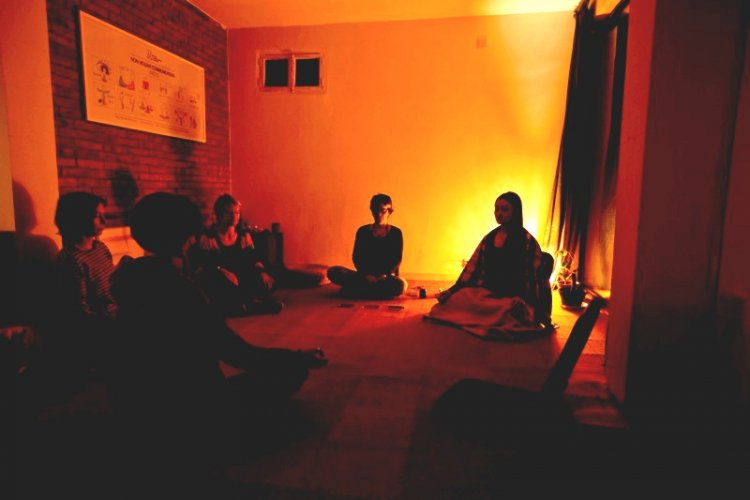 Mindfulness in Beijing: Teaching How to Tackle Pain Through Meditation and Self Awareness