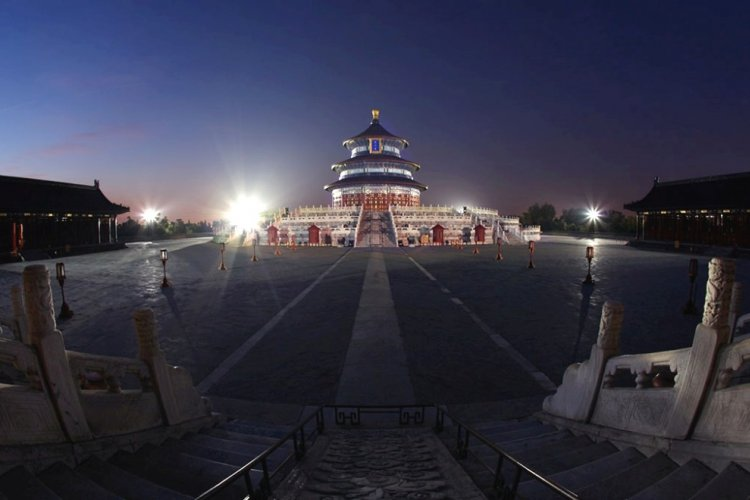 H.I.S. Beijing Offers an Affordable, Exclusive Night Tour at the Temple of Heaven Followed by Dinner at TRB
