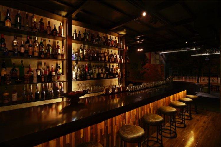 New Shuangjing Bar Bronze Boasts a Vast Whiskey List