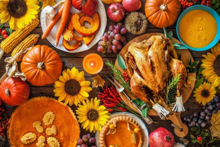Your Ultimate Last Minute Guide to DIY Thanksgiving at Home