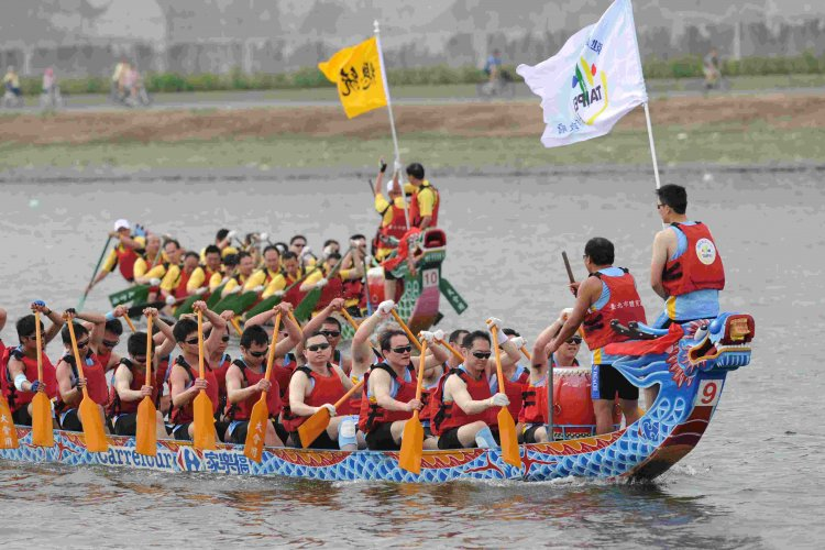 The Story Behind Dragon Boat Festival