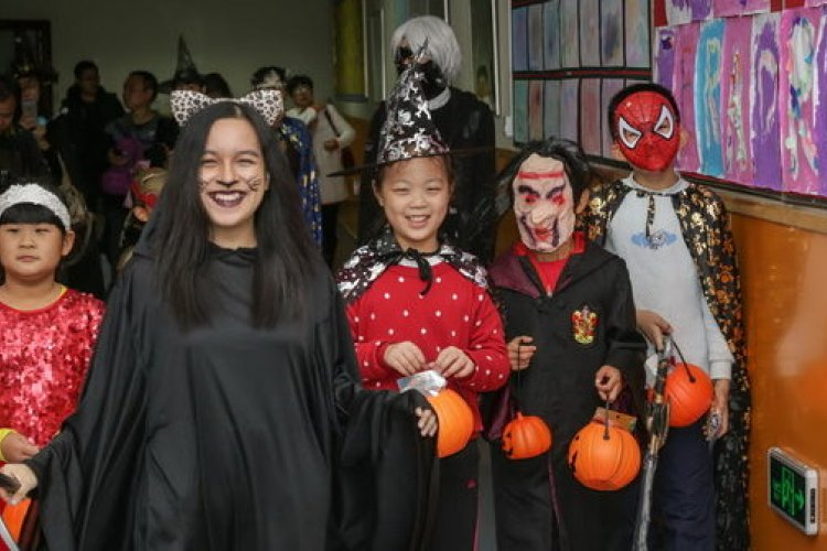 Eyeballs, Frights, and Fun at beijingkids and JingKids Halloween Party