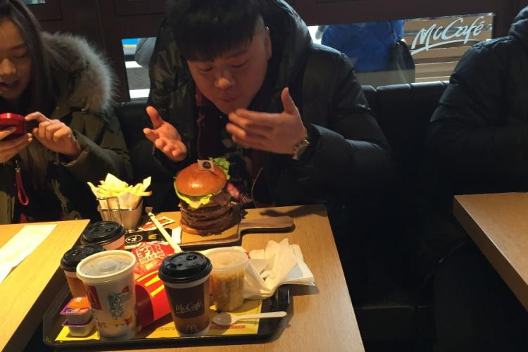 Four Patties, 103 Minutes, and 97 Yuan: Opening Day at Beijing's 'Create Your Taste' McDonald's