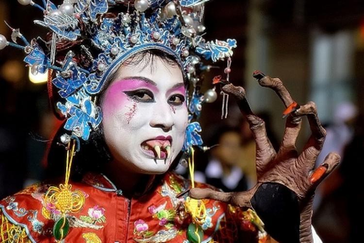 Tormented Threads: The Beijinger Halloween Costume Shopping Guide