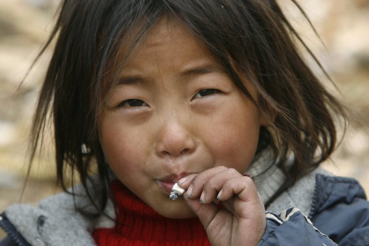 Twenty-Five Percent of Beijing's Tobacco Vendors Fail to Butt Out, Continue Selling Cigarettes Near Schools Illegally