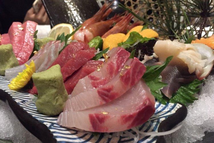 Japanese Restaurant Mizuki Offers Exemplary Sashimi and Tasy Pork Hotpot... for a Price