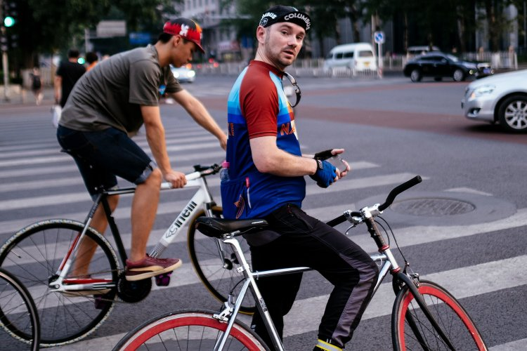 R Amerigo's Reflections on a Cyclist Stuck Indoors