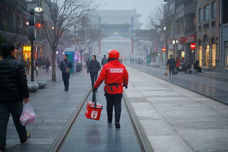 R Waiting to Exhale: Beijing Restaurateurs Eagerly Welcome Back Patrons After an Airpocalyptically Quiet Week
