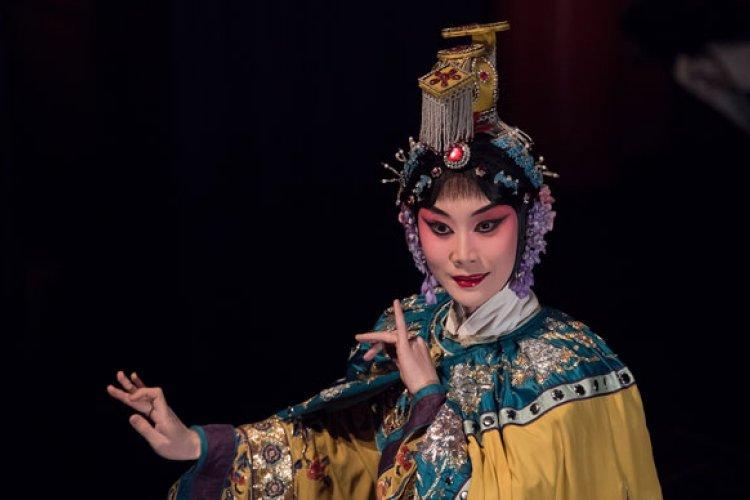 Portrait of a Beijinger: extraordinary stories from ordinary Beijingers