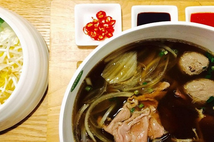 R Street Eats: Is Worth RMB 60 For A Bowl of Pho at Pho3?