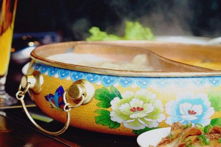 Spicy and Tasty Taiwanese Hot Pot at Black Knight, Guomao