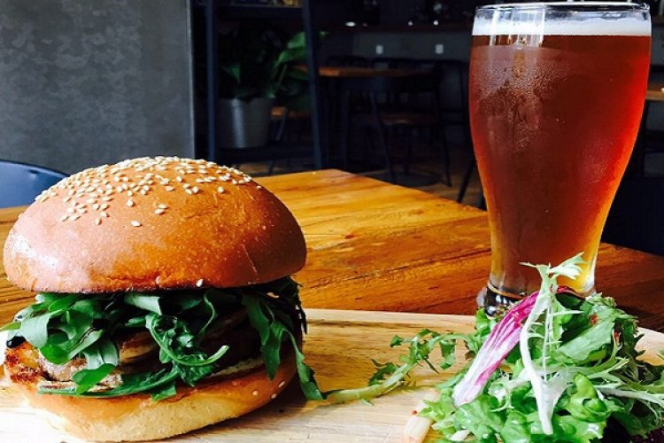 DP Burger Brief: Delicious Foie Gras Burger and Osmanths Ale at High Town, Nali Patio