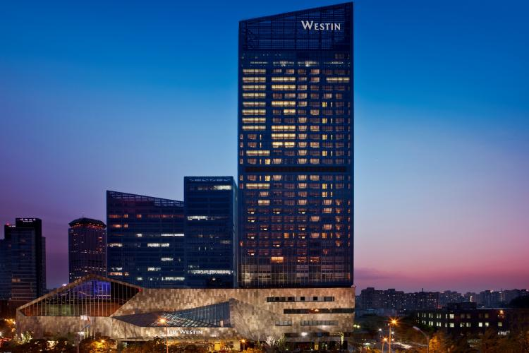 Fast Times: Celebrate Father's Day with the Westin Beijing Chaoyang's Bubbalicous Brunch and McLaren