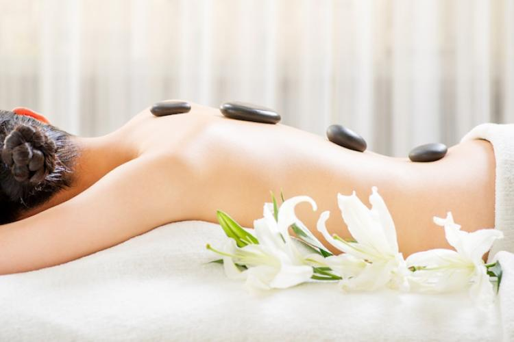 The Magic Touch: Unwind and Warm Up this Winter with the Waldorf Astoria's Hot Stone Oil Massage Treatment