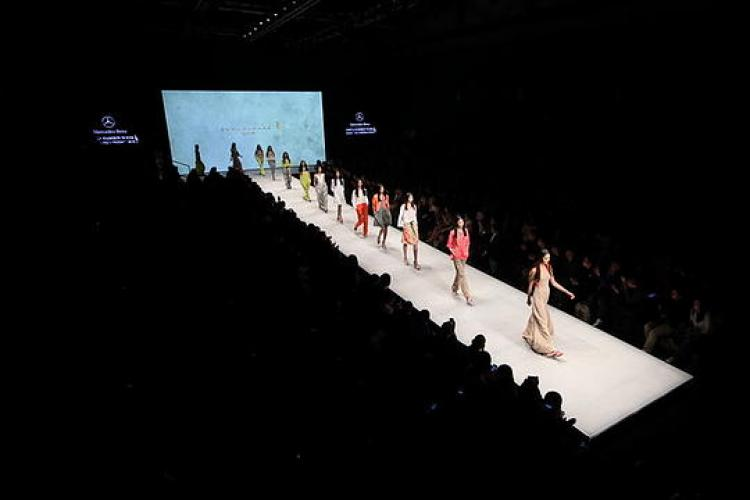 China Fashion Week: Pretty Cars, Clothes and People