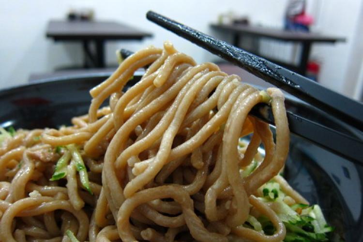 Alleyway Gourmet: Rustic Hele Noodles