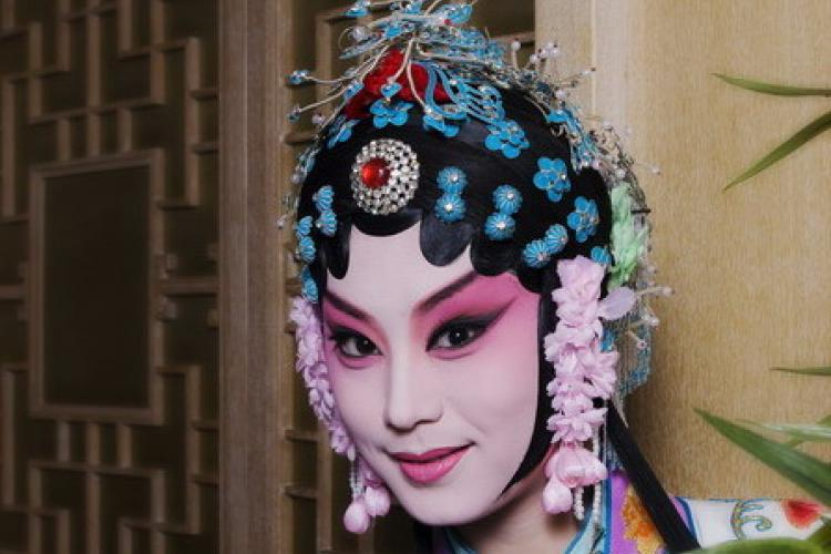 Dramatic Gesture: Actress Shao Tianshuai on Kunqu Opera