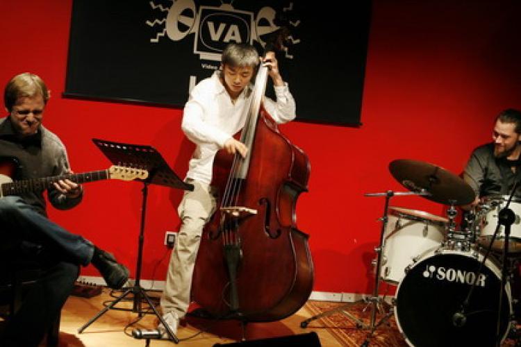 Where Musicians Congregate: VA Cafe & Bar