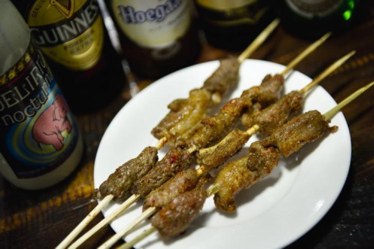 Classy Drinks and Chuan'r Meet in Sanlitun